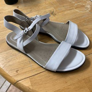 ECCO Womens Size 8 White Leather Flat Sandals